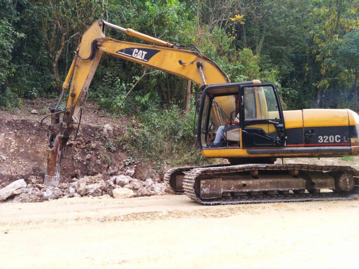 Caterpillar Excavator 320CL w/ Jackhammer
