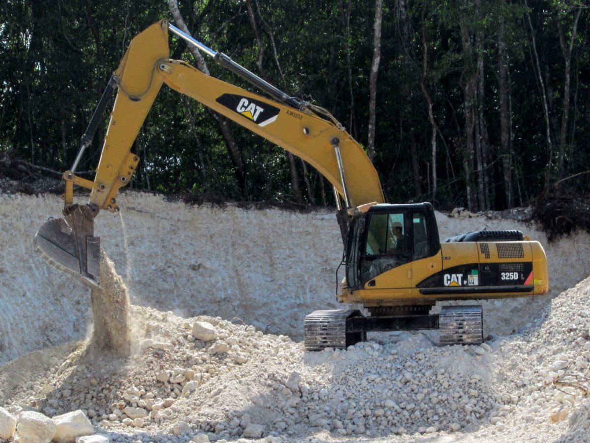 Caterpillar Excavator 325DL