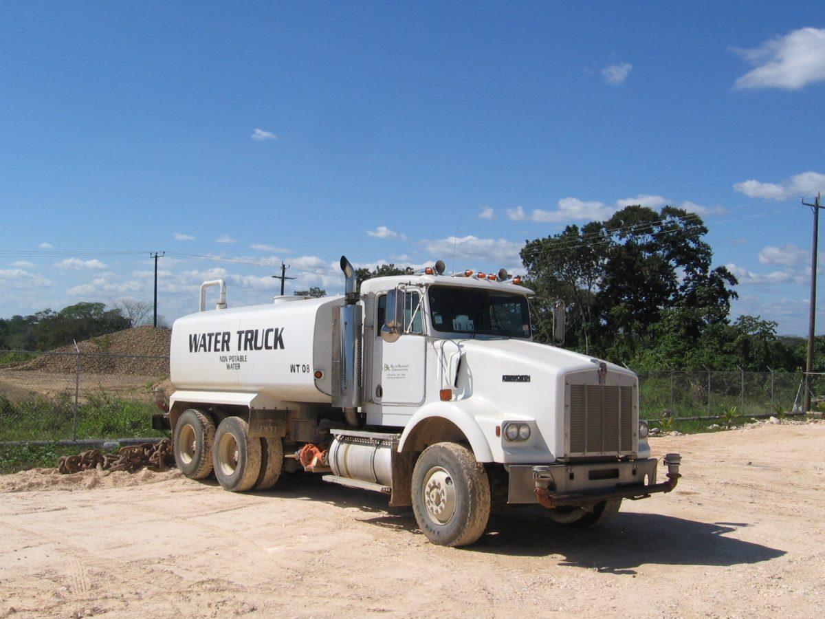 Water Truck - Kenworth 4000 Gallon Tank